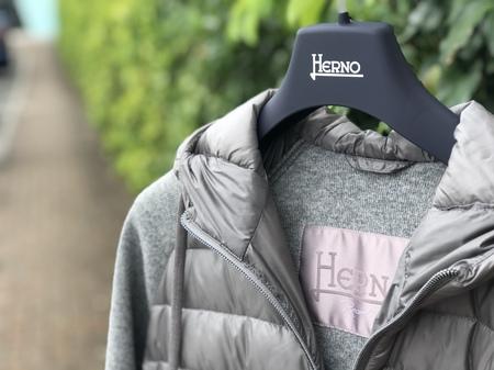 秋から冬、冬から春へと季節を繋ぐ日常着! HERNO/ヘルノのResortコレクション!!