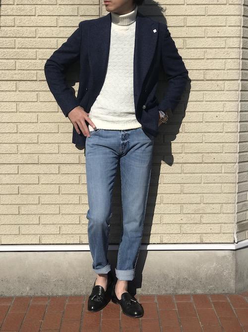 白タートルによって、  TAGLIATOREのジャケットはまるでカーディガンのように着崩せます!!