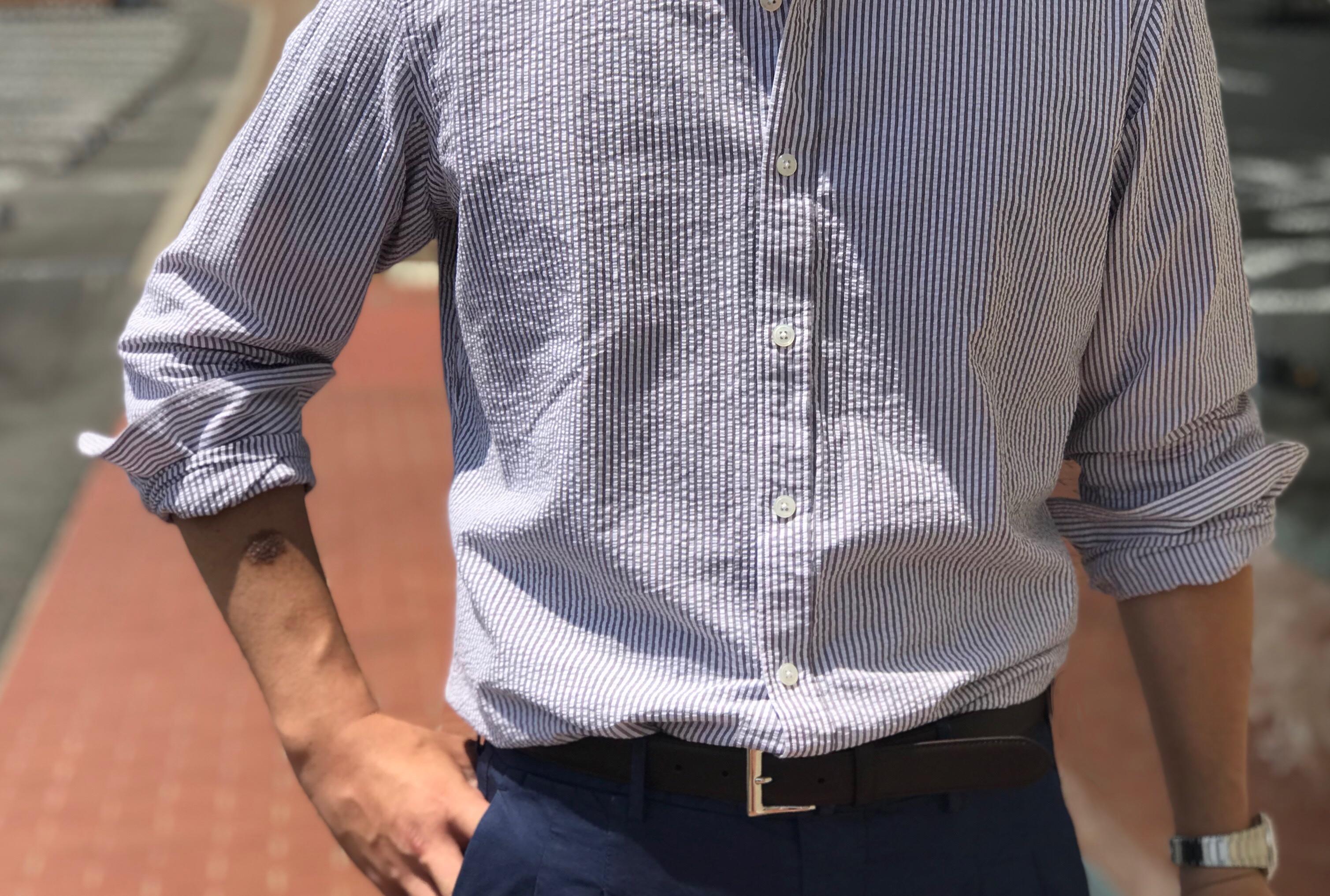 腕捲りが似合うシャツ! 【BAGUTTA】「BERLINO」ストライプ柄シアサッカー地シャツ!!